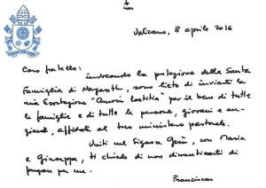 Handgeschriebens Billet von Papst Franziskus zur Veröffentlichung von Amoris Laetitia