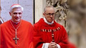 Joseph Kardinal Ratzinger und Jorge Mario Kardinal Bergoglio Gegenspieler beim Konklave 2005