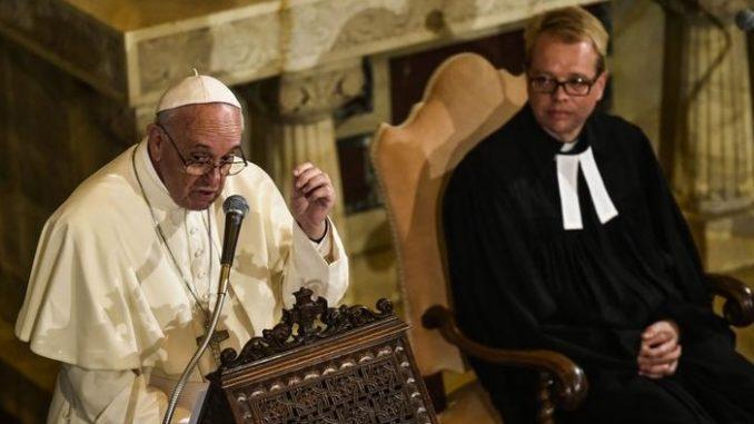 """Papst Franziskus """"rätselhafte"""" Worte zur Interkommunion in der römischen Lutherkirche ziehen ihre Kreise"""